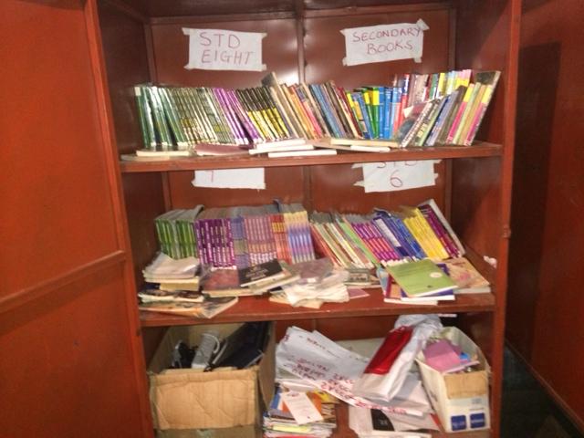 Mashimone Bookcase